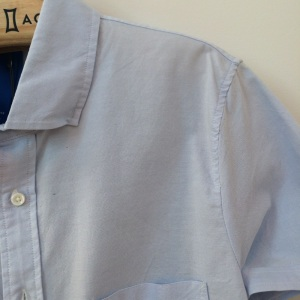 Kit and Ace, Woven Button Front shirt, Poor Sewing Quality